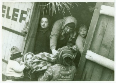 Deported Jews on the Czechoslovak-Hungarian border 1938. Photo by B. Birnbach; Wiener Library Photo Archive WL15019